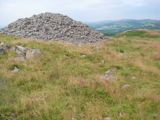 Bronze Age mound within Y Gaer Fawr